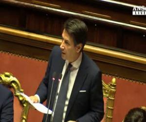 """Migranti, Conte: """"Stop all'accoglienza indiscriminata"""""""