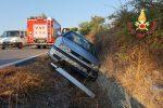 Incidente nello svincolo per Vallo di Borgia: auto finisce in un canale, ferito il conducente