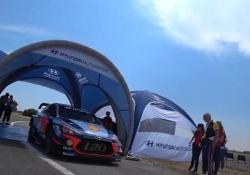 Ne abbiamo parlato con Benedetto Forlani, presidente Shell Italia. E poi abbiamo fatto un giro in auto con il pilota belga campione del Mondiale rally...
