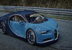 È stata presentata all'Autodromo di Monza il 30 agosto in anteprima mondiale. Realizzata con oltre un milione di pezzi e senza colla in circa sei mesi, è in grado di raggiungere una velocità di 30 km/h e pesa 1,5 tonnellate