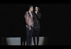 Irama ha aperto il concerto della cantante al Forum di Assago. Poi ad un certo punto la Pausini ha invitato Irama a salire sul palco e ha annunciato al vincitore di Amici 2018 che si esibirà, per la prima volta, sul palco del Forum, il prossimo 5 aprile 2019.