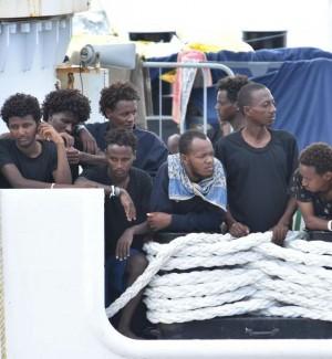 L'Italia in pressing sui migranti ma l'Europa fa muro