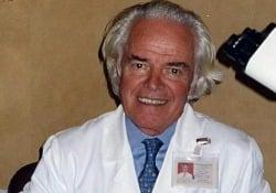 Morto Franco Mandelli, ha combattuto contro la leucemia Aveva 87 anni ed era presidente dell'Associazione Italiana Leucemie - LaPresse