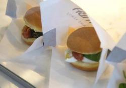 Niko Romito apre a Milano «Bomba», lo street food stellato (e leggerissimo) sia dolce che salato