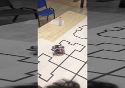 Robocup Academy Rescue Line: il video dei vincitori La gara dei BlackOut 2.0, squadra vincitrice dell'Istituto Ferraris-Brunelleschi di Empoli: saranno loro ad andare in finale in Canada - Corriere TV