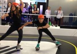 In attesa di scenari più futuristici, l'ultimo mezzo personale del primo (e ultimo) miglio è l'e-skate. Li abbiamo provati all'Ifa di Berlino. E danno un'idea (affascinante) di come ci muoveremo in città nei prossimi anni
