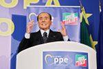 """Berlusconi: """"Mi candido alle Europee, di nuovo in campo per salvare l'Italia"""""""