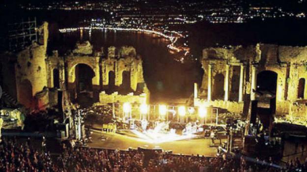 teatro antico taormina, Messina, Sicilia, Politica