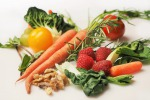 Mangiare frutta e verdura fresche e crude fa bene alla salute mentale e allontana lo stess (fonte: Pixabay)