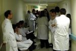 Medici in corsia in ospedale (archivio)