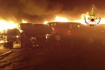 Incendio nel terminal auto di Savona, distrutte anche Maserati