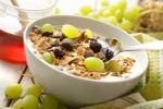 Con l'autunno arriva la malinconia, alcuni alimenti possono aiutare