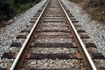 Rosarno, raccoglieva fichi d'india vicino ai binari e viene urtato da un treno: ferito