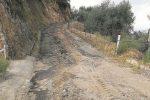 """Corigliano-Rossano, da anni si chiedono interventi e adesso la strada è """"cancellata"""" dalle piogge"""