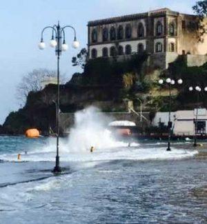Maltempo da Nord a Sud, previste raffiche di vento di burrasca anche in Calabria e Sicilia