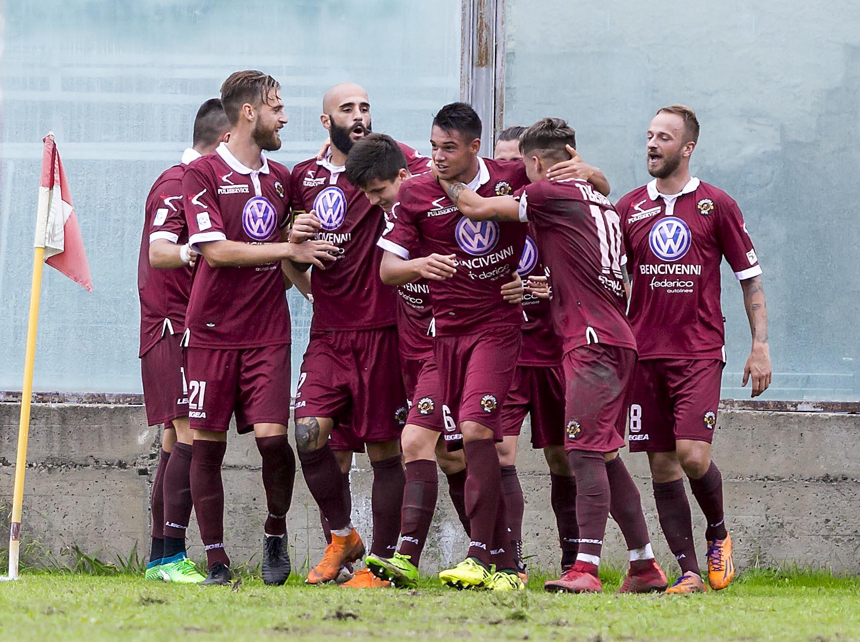 Siracusa Reggina: La Reggina Stende Il Siracusa (1-0) Sul Neutro Del