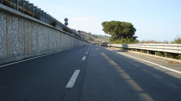 Chiusa statale 106, nubifragio Strongoli, ss 106, statale 106, strongoli, Catanzaro, Calabria, Cronaca