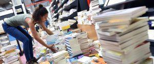 La metà dei minori non legge alcun libro, il 70% in Sicilia