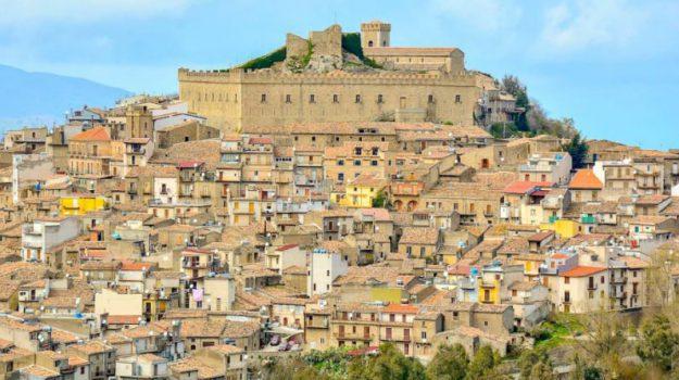crocieristi, montalbano elicona, pasqua, Messina, Sicilia, Economia