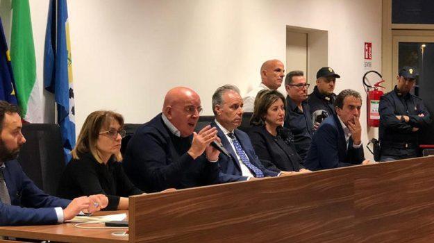 Precari Azienda Calabria Lavoro, Mario Oliverio, Calabria, Economia