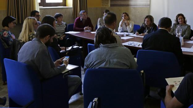 progetto giovani malaspina, Sicilia, Società