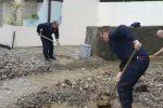Si scava fra detriti e fango: le immagini da Messina dopo l'ondata di maltempo