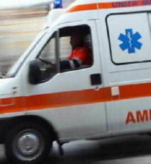 Operaio di Cosenza travolto sul lavoro da un autocarro, è grave