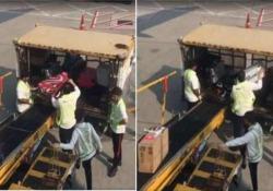 Ecco come vengono trattate le valigie all'aeroporto di Hong Kong