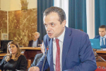 """Salva Messina"", De Luca incassa undici successi. Il M5s abbandona l'aula"
