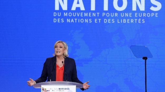 Marine Le Pen, Sicilia, Mondo