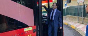 Il sindaco De Luca a bordo di un bus Atm