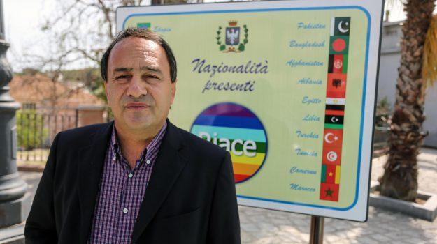 reazioni migranti via da riace, Domenico Lucano, Mario Oliverio, Reggio, Calabria, Politica