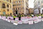 Crotone, i dipendenti del Marrelli Hospital in piazza a Roma contro i tagli