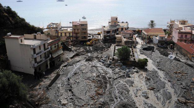 alluvione messina, causa civile, Aurora Notarianni, Giovanni Carità, Messina, Sicilia, Cronaca