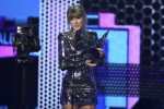 Musica: Taylor Swift vince tutto agli Ama Awards