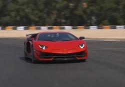 I segreti aerodinamicidella Aventador SVJ Maurizio Reggiani, direttore tecnico di Lamborghini, ci spiega che cos'è e come funziona la ALA (Aerodinamica Lamborghini Attiva) - CorriereTV