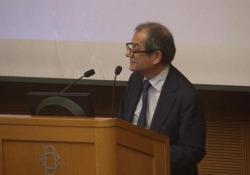 Per il ministro dell'Economia «non si fanno riforme a costo zero»