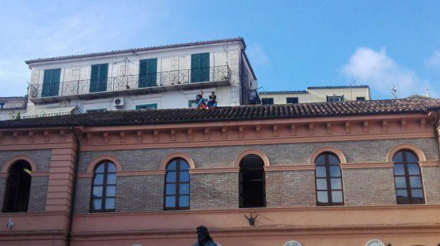 protesta operai corigliano rossano, Cosenza, Calabria, Cronaca
