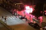 Scontri nella notte fra tifosi del Messina e del Bari: spranghe e fumogeni agli imbarcaderi