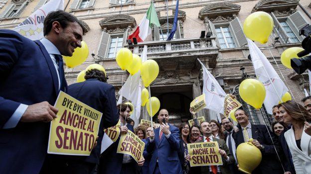 m5s, tagli vitalizi senato, Giuseppe Conte, Luigi Di Maio, Sicilia, Politica