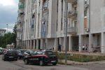 Il palazzo da dove è stata lanciata la bambina a Taranto