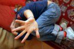 Abusi sessuali su un ragazzino di 14 anni in cambio di regali, arrestato 20enne a Rizziconi