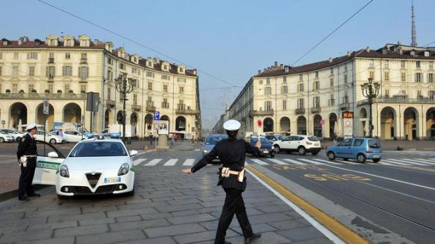 condizioni di lavoro sicure, reggio, scarsa igiene, vigili urbani, Enzo Sera, Reggio, Calabria, Cronaca