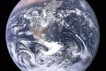 La Terra vista dallo spazio, simbolo di scienza e pace (fonte: NASA/equipaggio dell'Apollo 17;  Harrison Schmitt, Ron Evans)