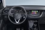 Opel, salgono a bordo sistemi navigazione Waze e Google Maps