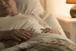 Tumori:anziani guariscono meno,screening gratis fino 74 anni