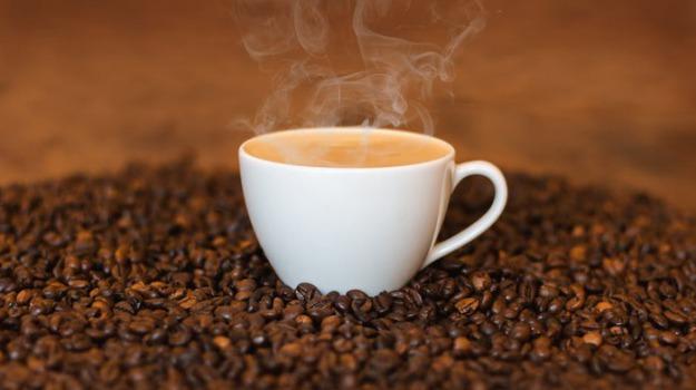 caffeina, Consciousness and Cognition, effetto caffè, effetto di innesco, Università di Toronto, Sicilia, Società