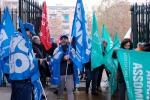 Oggi i medici in sciopero, migliaia di interventi a rischio