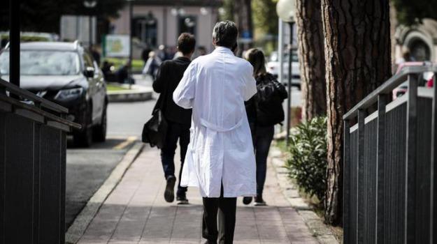 asp di cosenza, carenza di personale, cosenza, ospedale  praia a mare, ospedale corigliano rossano, Cosenza, Calabria, Cronaca