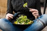 Dieta, tagliare 300 calorie al giorno fa bene al cuore
